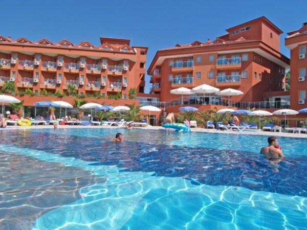 В Турцию с вылетом из Киева на майские: Club Side Coast Hotel
