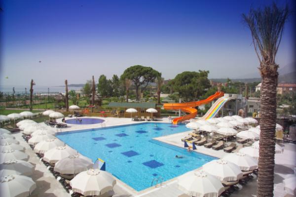 В Турцию с вылетом из Киева на майские: Labada Beach Hotel