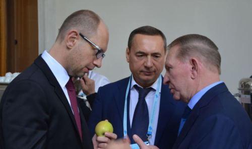 Проти соратника Яценюка Миколи Мартиненка Швейцарська генпрокуратура дійсно розслідує кримінальну справу